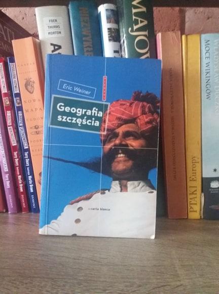 Wirtualne podróże z biblioteką – Geografia szczęścia